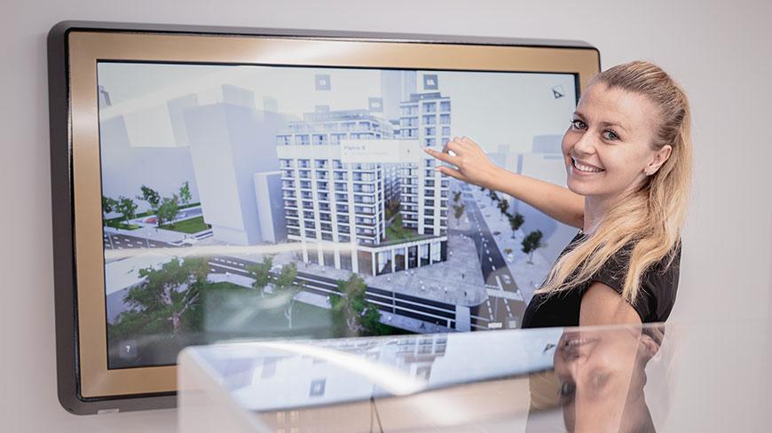 ekran dotykowy z aplikacją interaktywną